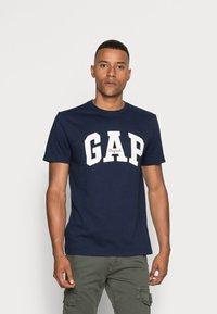 GAP - ORIG ARCH  - T-shirt z nadrukiem - tapestry navy - 0