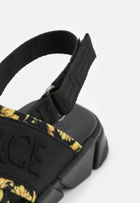 Versace - Sandals - black/gold - 5