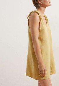 OYSHO - Overall / Jumpsuit - yellow - 2