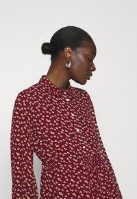 Esqualo - DRESS TUNNEL HEART PRINT - Shirt dress - berry - 3