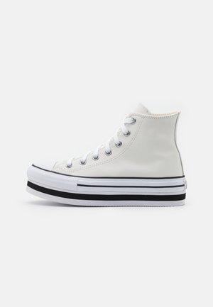 CHUCK TAYLOR ALL STAR PLATFORM LAYER - Zapatillas altas - vintage white/white/black