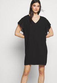 DKNY - VNECK DRESS RUFFLE  - Kjole - black - 4