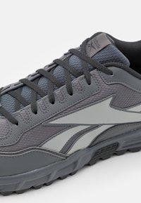 Reebok - BACK TO TRAIL - Zapatillas de trail running - pure grey/true grey - 5