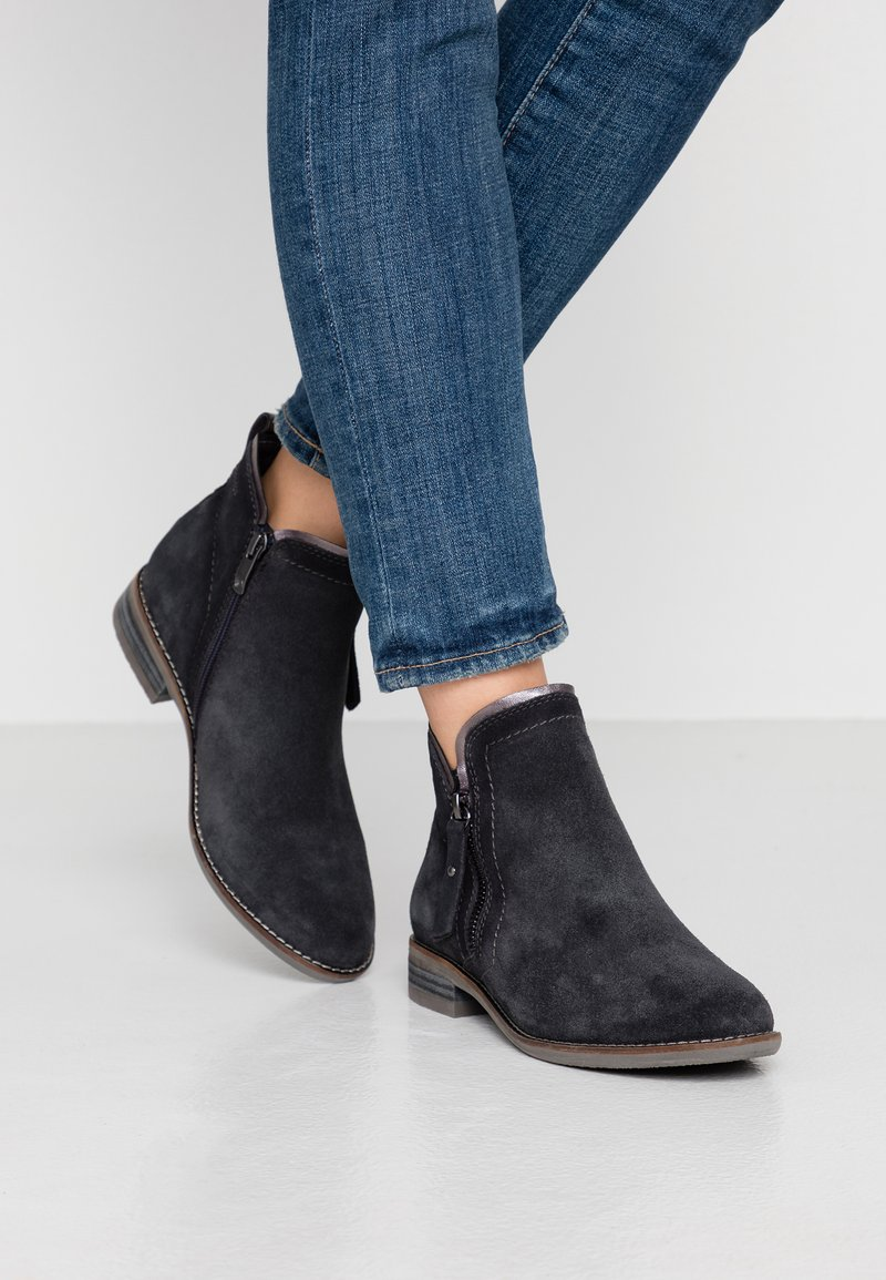 Be Natural - WOMS BOOTS - Botines bajos - navy