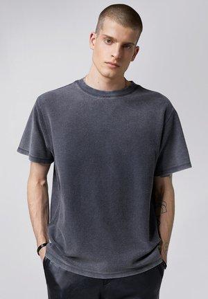 ALAWIS - Basic T-shirt - vintage stone grey