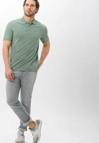 BRAX - STYLE PETE - Polo shirt - avocado - 1
