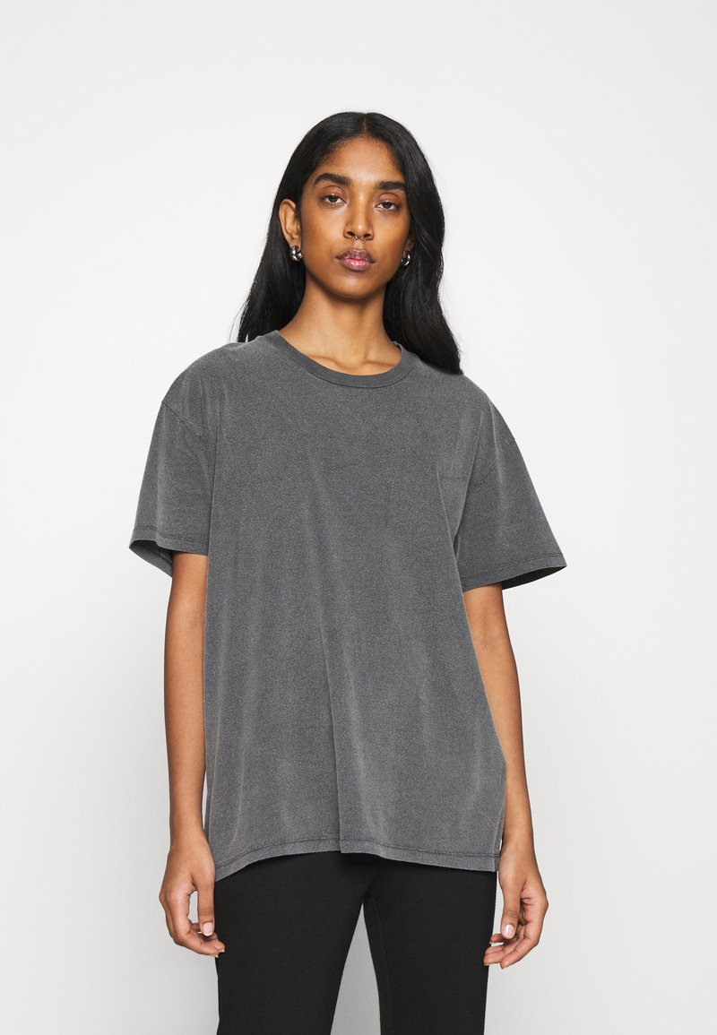 Topshop - DISTRESSED TEE - Print T-shirt - washed black