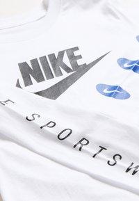 Nike Sportswear - TEE FUTURA - Bluzka z długim rękawem - white - 2