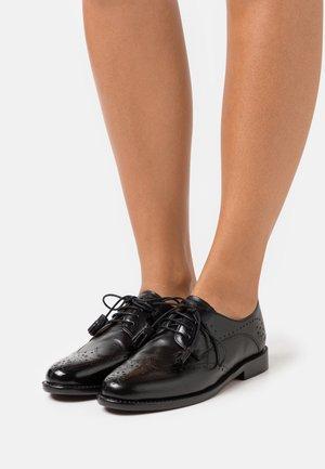 SELINA 41 - Zapatos de vestir - black