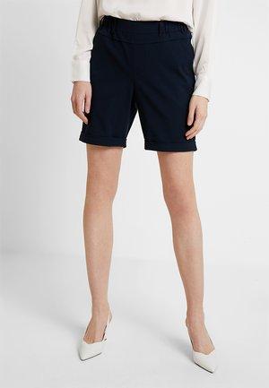 NANCI JILLIAN BERMUDA PANTS - Shorts - midnight marine