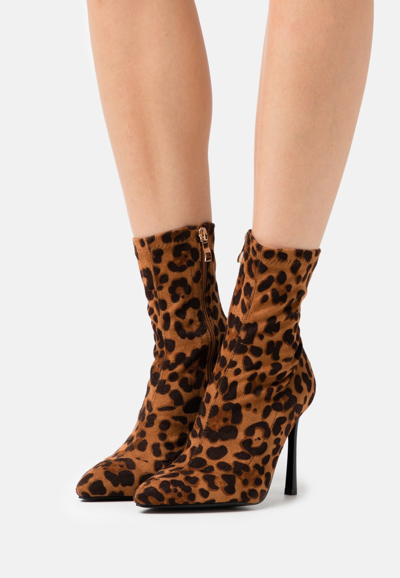 BEBO - TRINNIE - High heeled ankle boots - brown