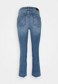 Sportmax - BERMA - Flared Jeans - nachtblau - 7