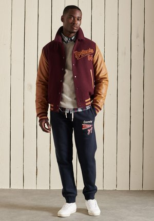 Bomber Jacket - rich berry