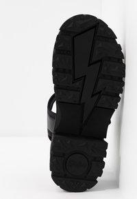 Buffalo - VEGAN JOJO - Platform sandals - black - 6