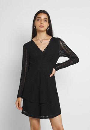 VICHIKKA DRESS - Hverdagskjoler - black