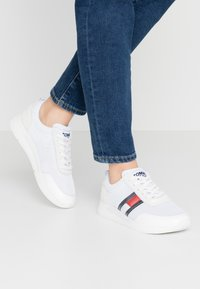 Tommy Jeans - Baskets basses - white - 0
