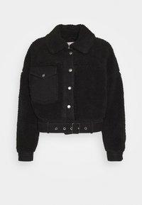 Pieces Petite - PCMAELYNN JACKET - Winter jacket - black - 3