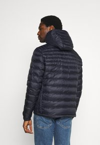 Tommy Hilfiger - PACKABLE HOODED JACKET - Down jacket - desert sky - 2
