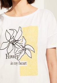 comma casual identity - MIT SKIZZEN-PRINT - Print T-shirt - white - 3