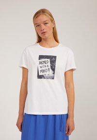 ARMEDANGELS - Print T-shirt - white - 0