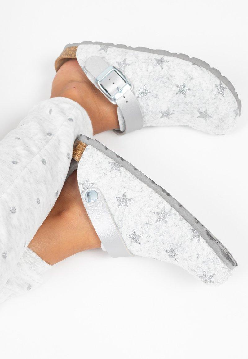 BAYTON - NOMA  - Slippers - silver