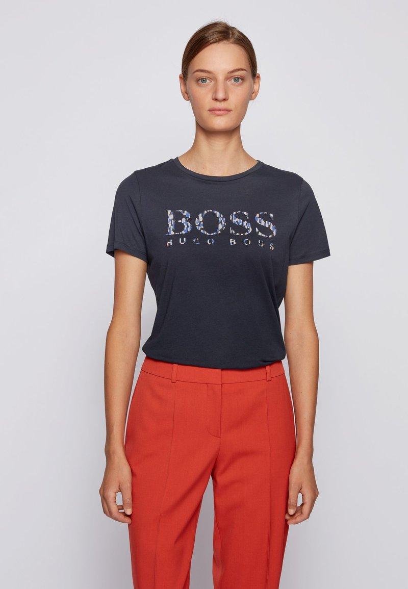 BOSS - C_ELOGO_ECOM - Print T-shirt - open blue