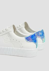 PULL&BEAR - Sneakers laag - white - 4