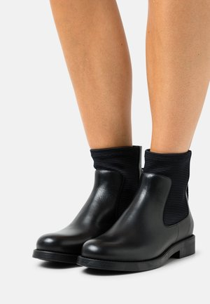 FLAT BOOTIE MIX - Classic ankle boots - black