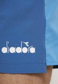 Diadora - BERMUDA EASY TENNIS - Träningsshorts - blue deep water - 4