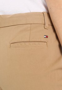 Tommy Hilfiger - MARIN - Chinos - classic camel - 5