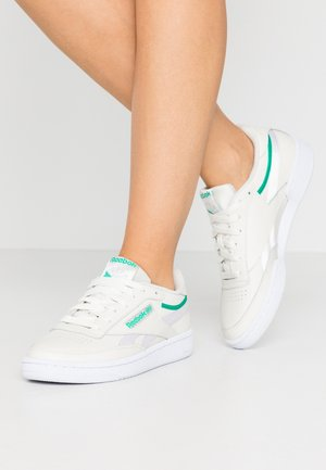 CLUB C 85 - Sneaker low - chalk/green/white