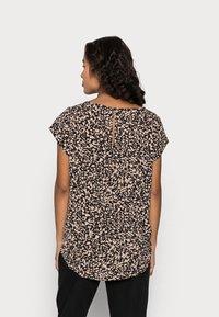 ONLY Petite - ONLNOVA LUX - T-shirt print - black - 2