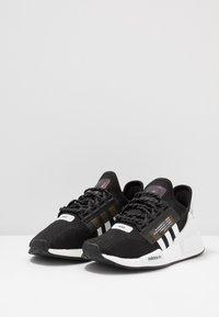 adidas Originals - NMD_R1.V2 - Matalavartiset tennarit - core black/footwear white - 2