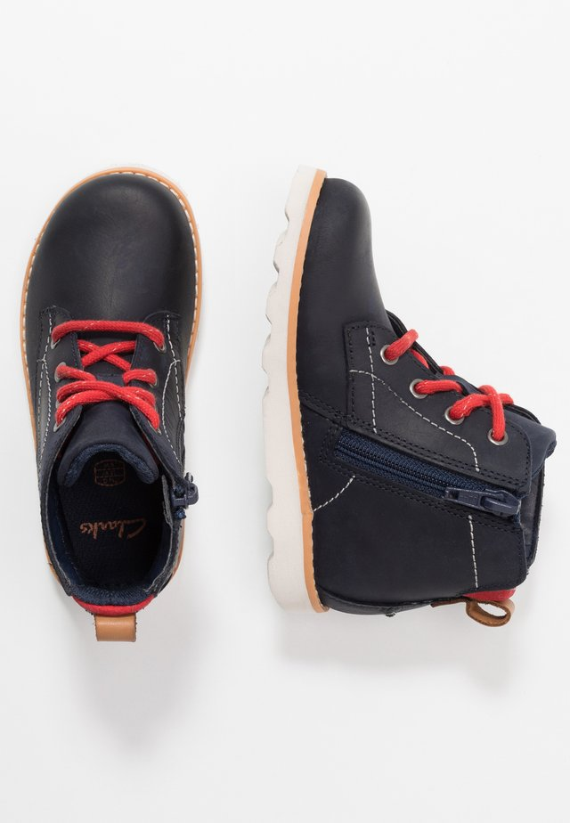 CROWN HIKE - Lace-up ankle boots - navy