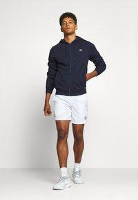 Lacoste Sport - CLASSIC HOODIE JACKET - Felpa con cappuccio - navy blue - 1