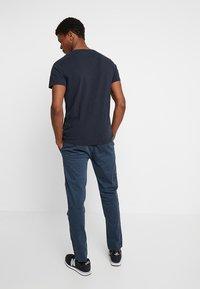 Superdry - CORE UTILITY PANT - Trousers - drift blue - 2