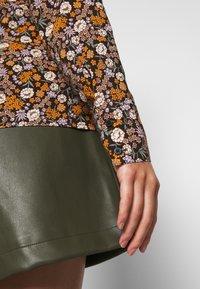 Scotch & Soda - SLIM FIT  - Button-down blouse - black/orange/lilac - 6