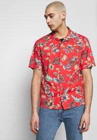 Superdry - HAWAIIAN BOX - Shirt - vintage tropical red - 0
