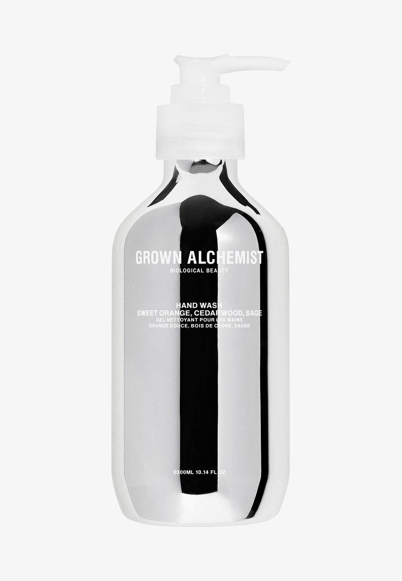 Grown Alchemist - SILVERHAND WASH SWEET ORANGE, CEDARWOOD & SAGE - Liquid soap - -