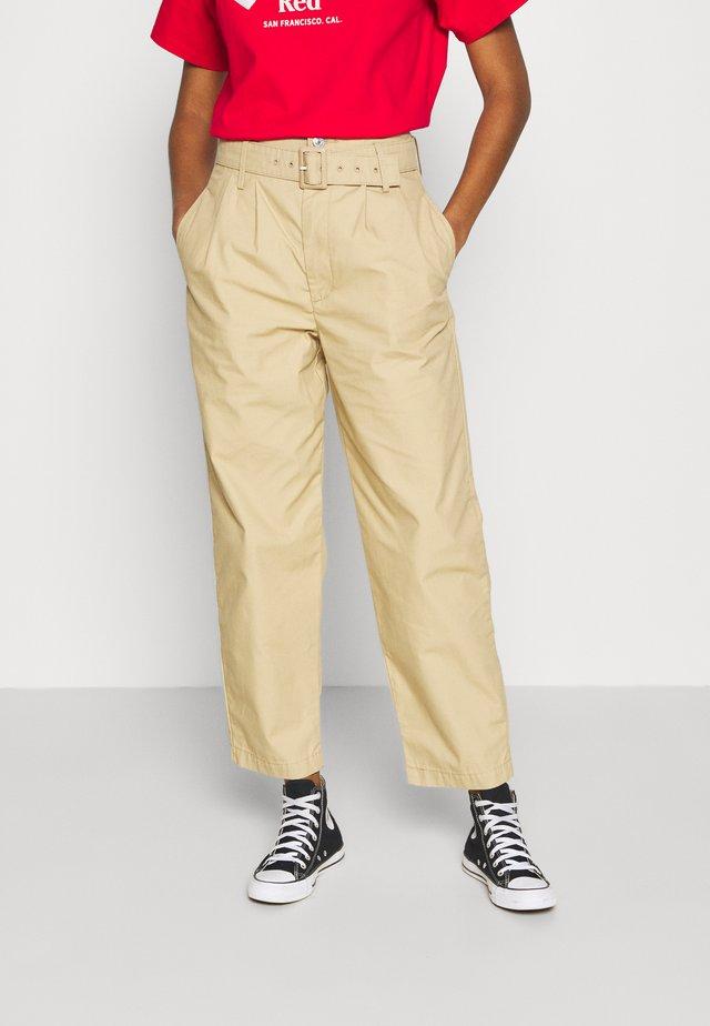 TAILOR HIGH LOOSE TAPER - Kalhoty - beige