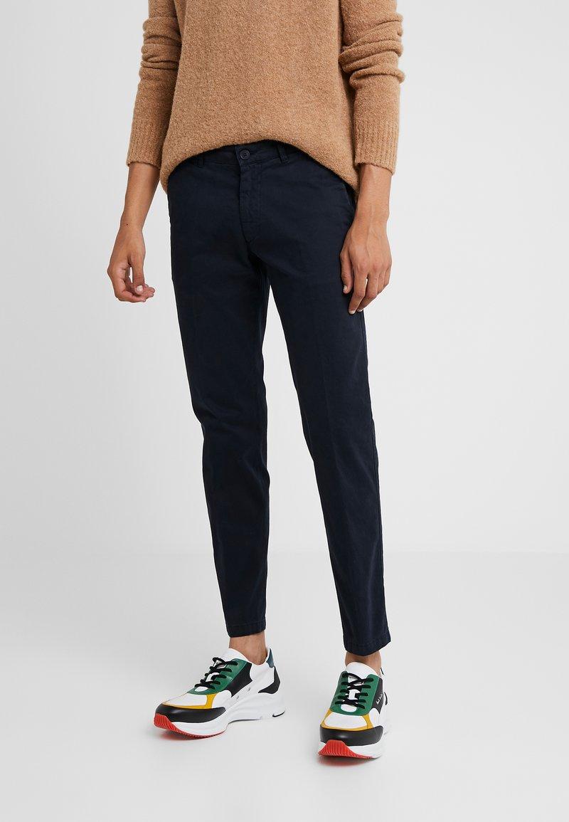 DRYKORN - MAD - Spodnie materiałowe - navy