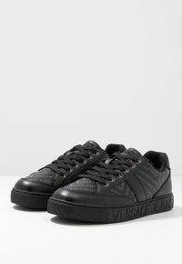 Versace Jeans Couture - FONDO CASSETTA  - Sneakers - black - 2