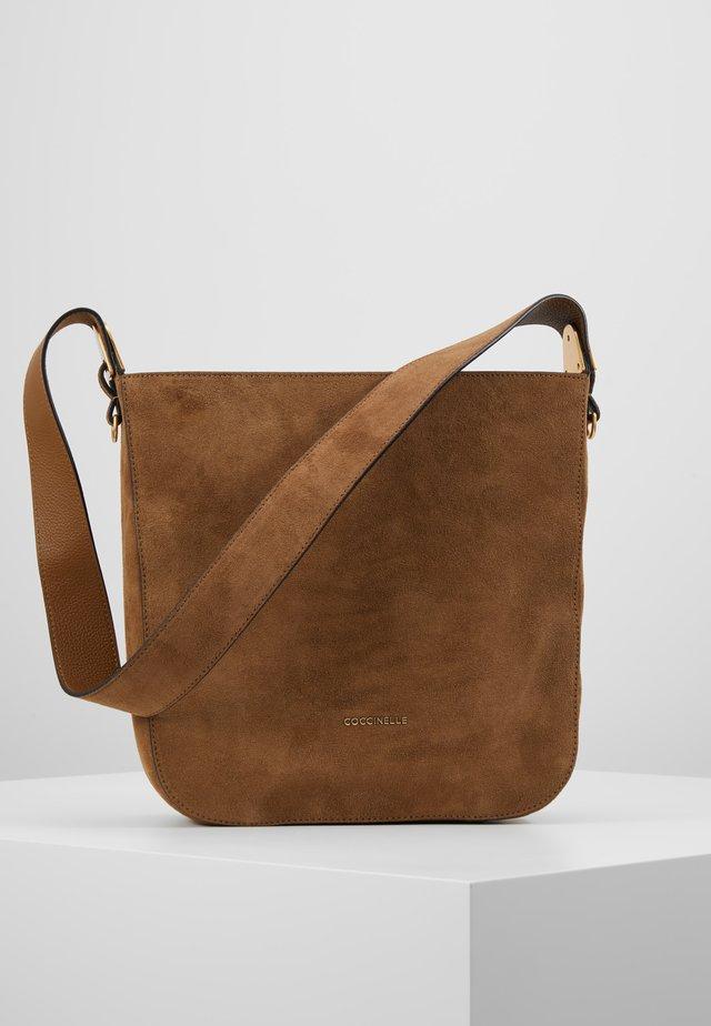 FLORENCE - Handbag - tobacco
