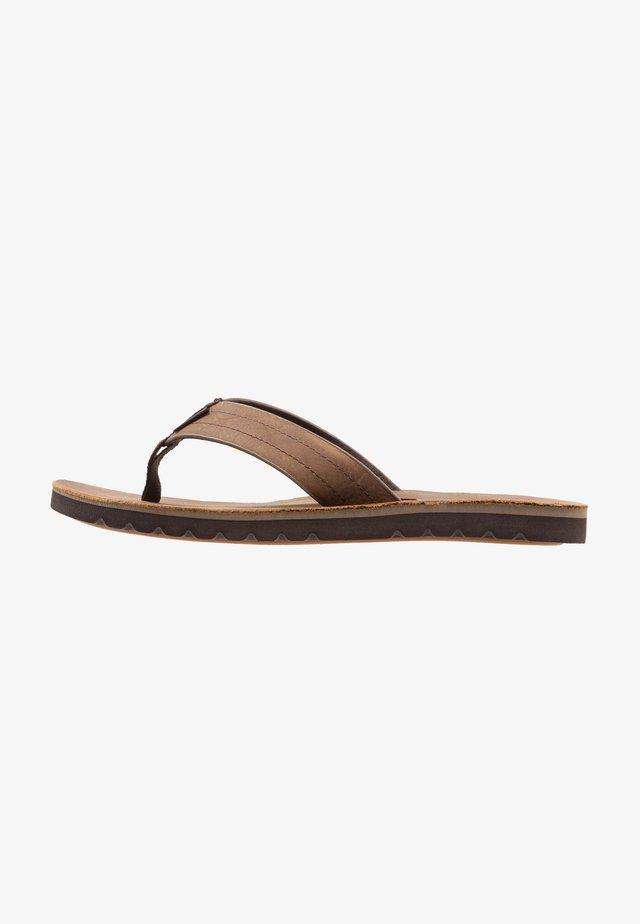 VOYAGE - T-bar sandals - dunkelbraun