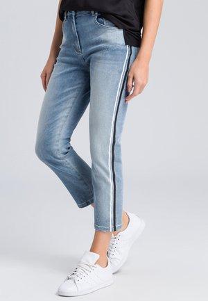 MIT SEITENSTREIFEN - Slim fit jeans - light blue denim