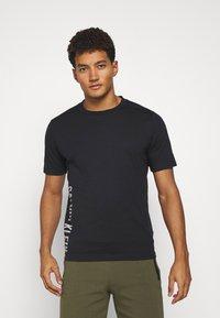 Calvin Klein Performance - SHORT SLEEVE - T-shirt con stampa - black - 0