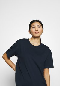 CALANDO - Camiseta básica - sky captain - 3