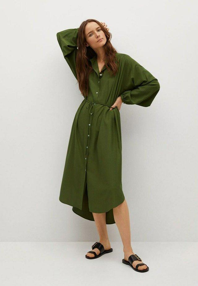 FARM - Košilové šaty - green