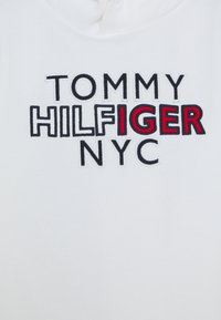 Tommy Hilfiger - GRAPHIC HOODIE - Mikina s kapucí - white - 2