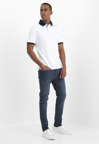 Pier One - COLOURED BARON - Slim fit jeans - dark blue - 1